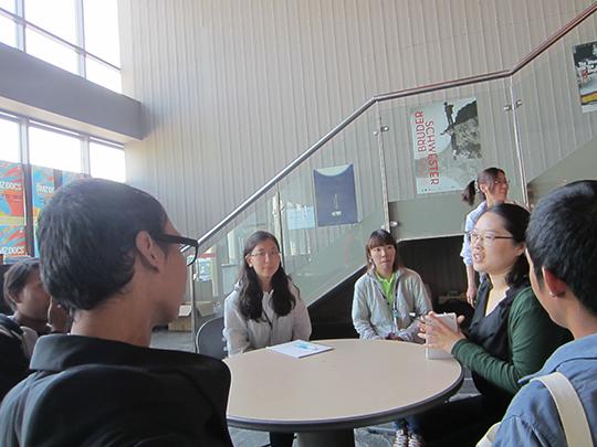 Wawancara dengan wartawan DMZ-Docs